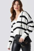 NA-KD Trend Pinstriped V-neck Knitted Sweater - White