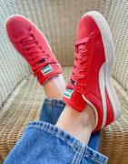 Puma classic suede trainers in red